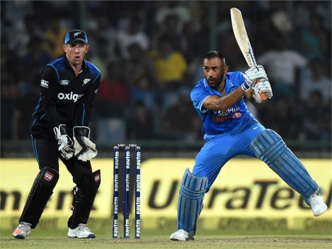 धोनी के एक फैसले ने इस भारतीय खिलाड़ी को रातों रात बना डाला स्टार