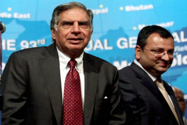 मिस्त्री और रतन टाटा ने की PM से की मुलाकात