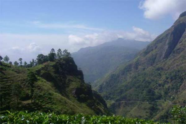 PIX:  लंका में ऐसे स्थान जहां आज भी दिखती है दशानन की मौजूदगी