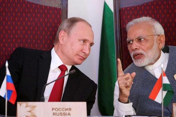 पुतिन ने नरेंद्र मोदी को दिया झटका, पाकिस्तान से किया सहयोग बढ़ाने का वादा!