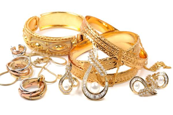 सोना 85 रुपए चमका, चांदी 100 रुपए मजबूत