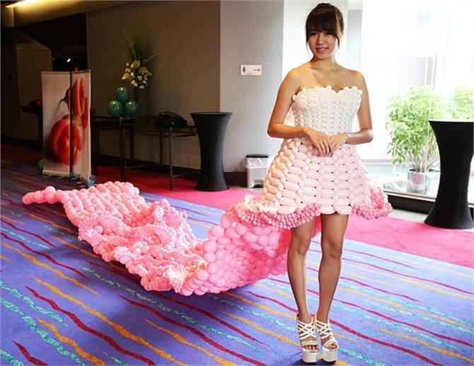 खूबसूरत लेकिन बहुत Risky हैं ये Balloon Dresses, देखें तस्वीरें
