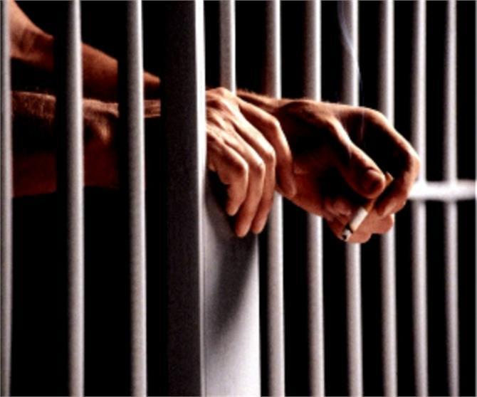 मासूम किशोर कैसे बन जाता है जेल का कैदी, जानने के लिए पढ़ें...