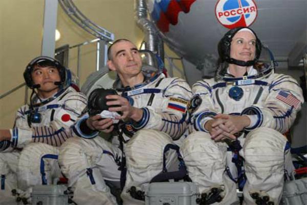 अंतरिक्ष में कुछ एेेसे रहा इनका 115 दिन का सफर