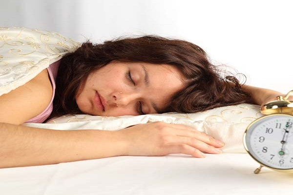 सोते समय ध्यान रखें ये बातें, परेशानियों से मिलेगी मुक्ति