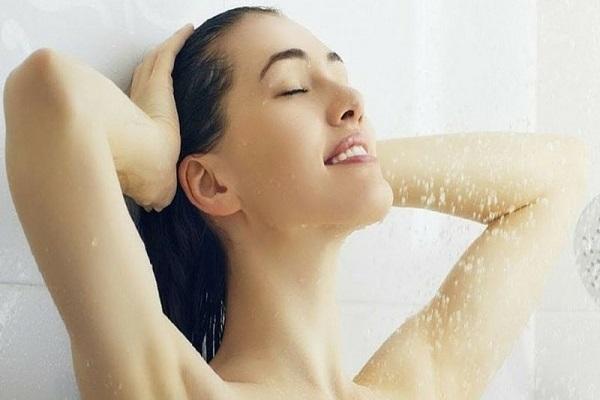 Image result for ठंडे पानी से नहाएं-