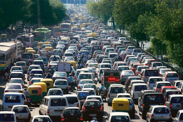 दीवाली से पहले ट्रैफिक जाम में 200 करोड़ रुपए का ईंधन फूंका