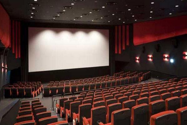 भारतीय फिल्मों पर पाबंदी के बाद पाक सिनेमा उद्योग बुरी तरह प्रभावित