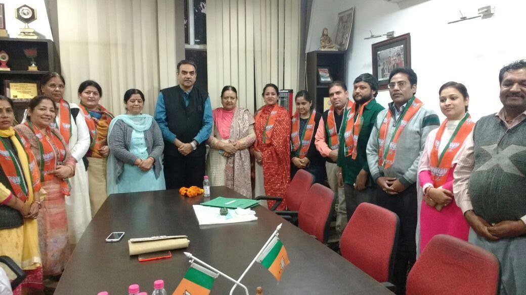9 वकील हुए भाजपा में शामिल, भाजपा प्रदेशाध्यक्ष संजय टंडन रहे मौजुद