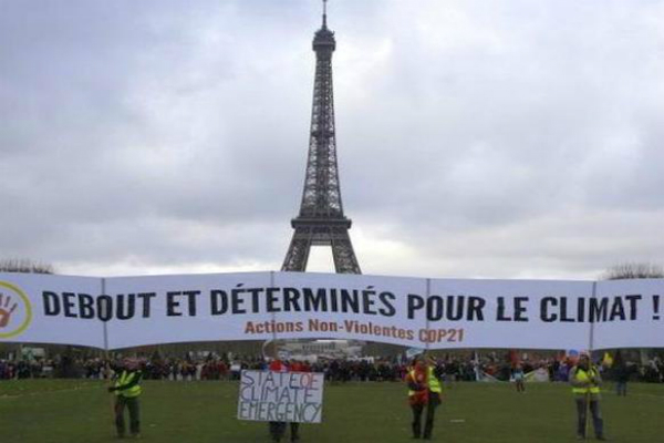 'स्माइली' के साथ पेरिस जलवायु समझौता लागू