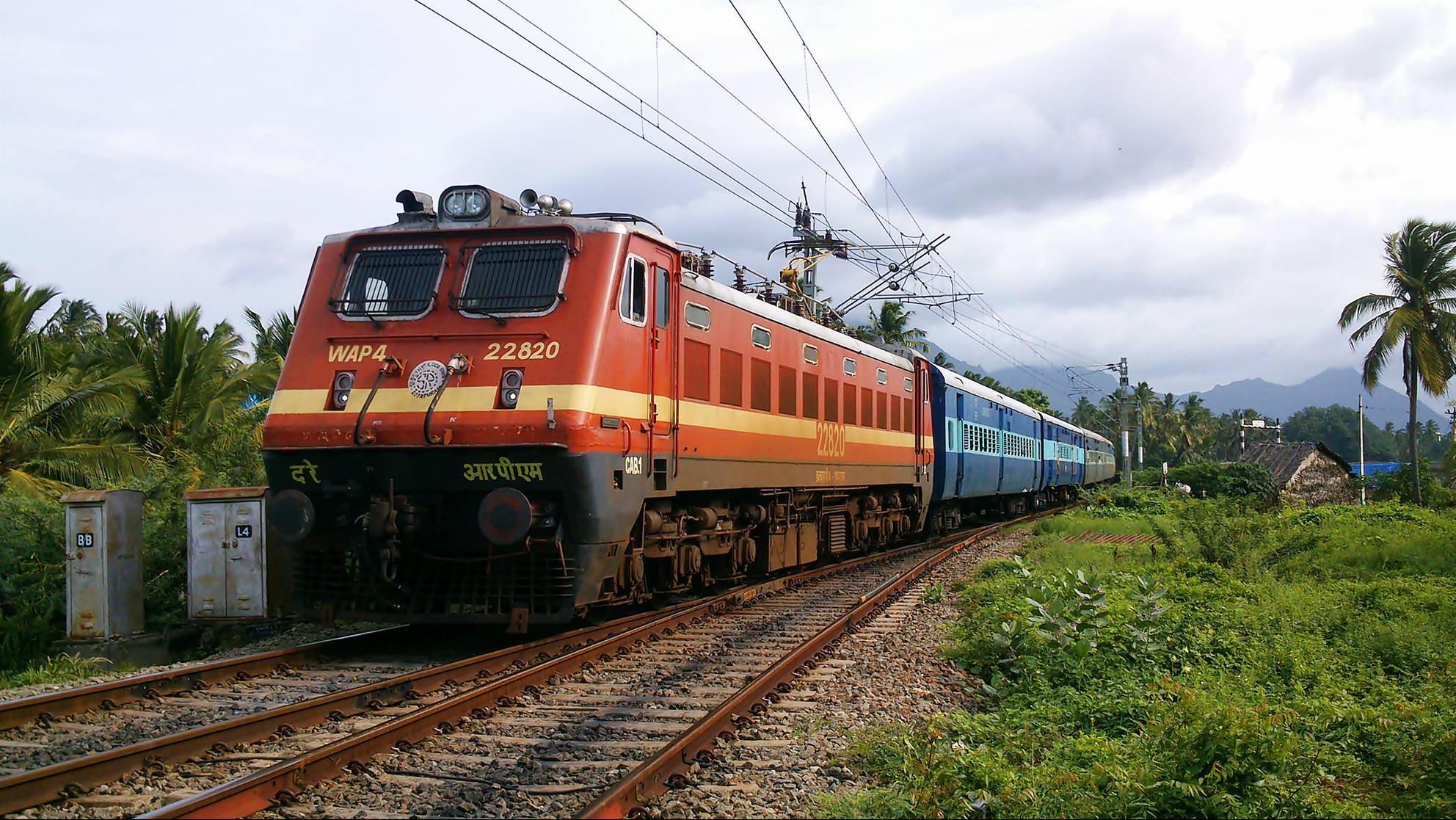 रेलवे को लाखों का फटका : विजीलैंस विभाग ने पार्सल विभाग में मारा छापा, रंगे हाथ पकड़े 3 कर्मचारी
