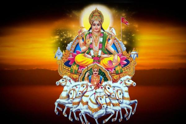 महापर्व छठ पूजा : व्रतधारियों ने दिया डूबते सूर्य को अर्ध्य