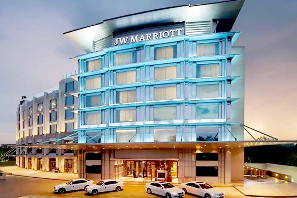 एक्सपायरी बीयर मामला : जे.डब्ल्यू. मैरियट होटल से वसूली 6 लाख पैनल्टी