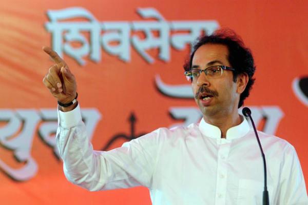 राजनाथ ने किया शिवसेना को फोन, उद्धव बोले- सरकार पहले लोगों की मुश्किलें कम करे