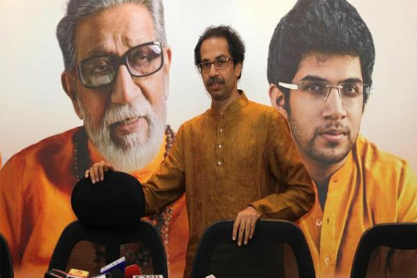 शिवसेना का PM मोदी पर निशाना, ' सवा सौ करोड़ जनता को सड़क पर ला दिया'
