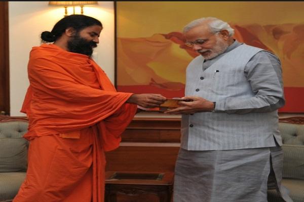 नोटबंदी के बाद PM मोदी को है जान का खतरा: रामदेव