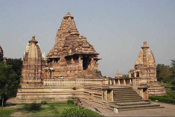 खजुराहो में है लक्ष्मण मंदिर, सोलह हजार शिल्पकारों ने किया इसका निर्माण