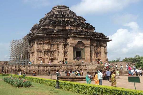 छठ पूजा के अवसर पर कीजिए कोणार्क मंदिर के दर्शन (Watch Pics)