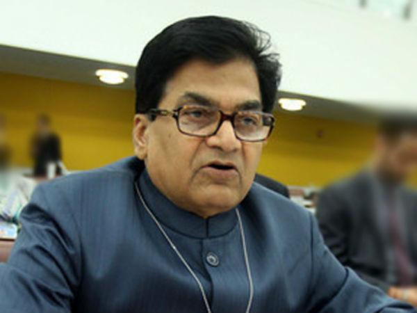 'योगी सरकार गांवो में अगले 20 साल तक भी नहीं ला सकती इंटनेट सुविधा'