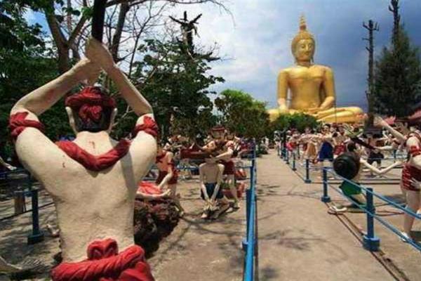 दुनिया का इकलौता नर्क मंदिर, दर्शन करने से होता है पापों का प्रायश्चित (Watch Pics)