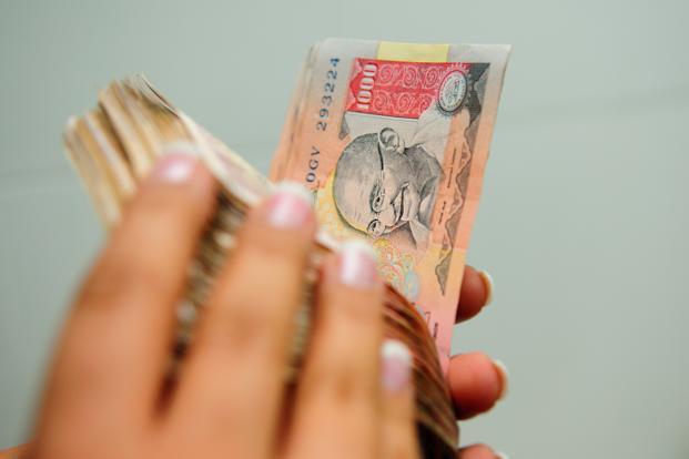नोट बंदी का राजनीतिक पार्टियों पर भी पड़ा असर, बंसल बोले शगुन के पैसे न होने से चार शादियों में नहीं गया