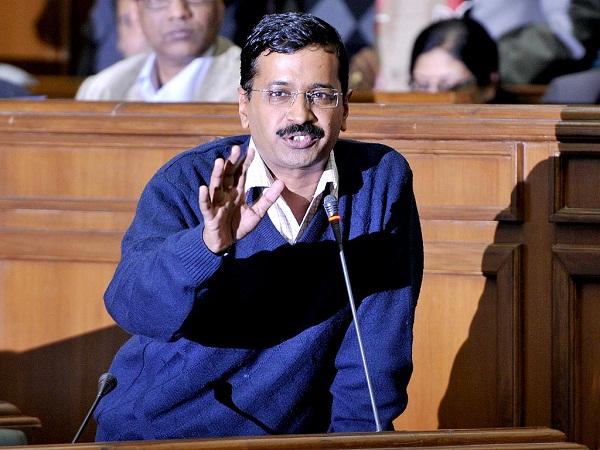 दिल्ली विधानसभा में हंगामा, केजरीवाल का विराेध करने पर BJP विधायक को निकाला बाहर