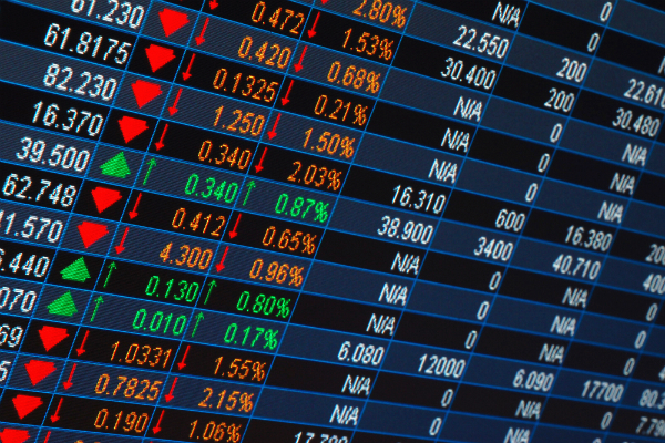 बढ़त के साथ बंद हुए बाजार, सैंसेक्स 196 अंक बढ़कर बंद