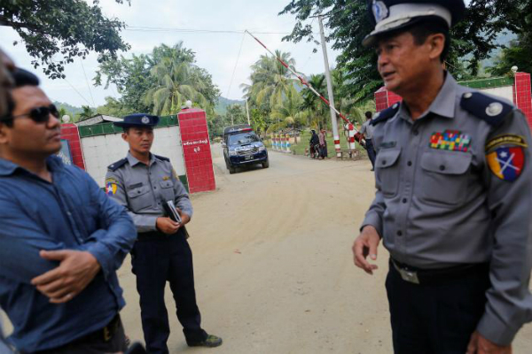 गैर मुस्लिमों की सुरक्षा के लिए आगे आई म्यांमार पुलिस