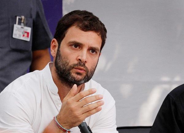 Twitter पर फिर उड़ा राहुल का मजाक, लाेग बाेले- माेदी अापकाे सड़क पर ले अाए!