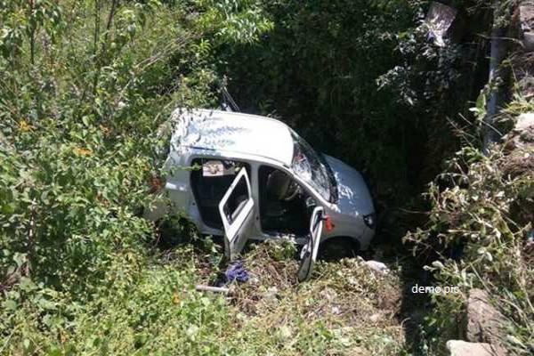 ऑल्टो कार के गहरी खाई में गिरने से हुआ दर्दनाक हादसा, 4 की मौत