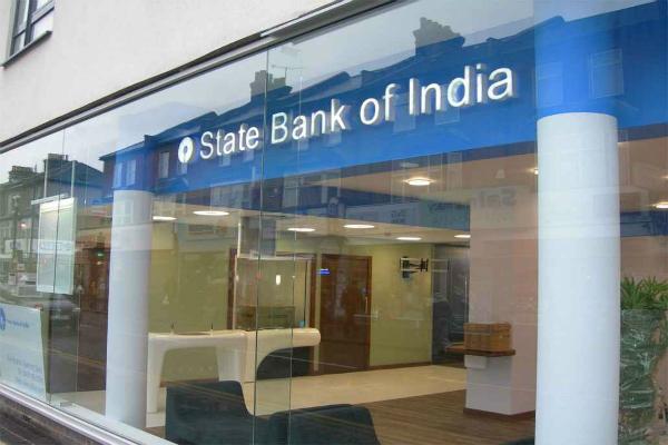 नोटों की पाबंदी के बाद कल दोहपर तक स्टेट बैंक में जमा हुए 39,670 करोड़