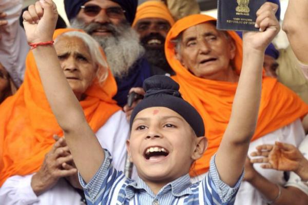 हिन्दू, सिख तीर्थयात्रियों का स्वागत करने को तैयार PAK