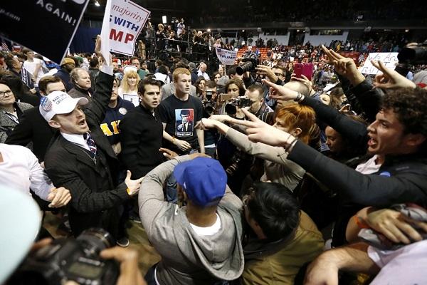 ट्रंप की जीत के बाद एेसे फूटा अमरीकियों का गुस्सा