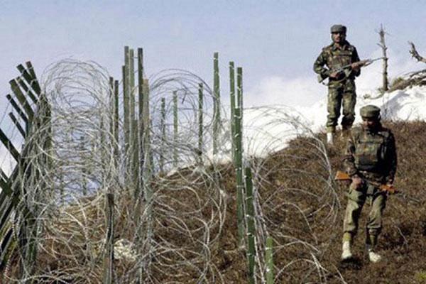 बीएसएफ ने सीमा पार करते एक घुसपैठियें को मार गिराया