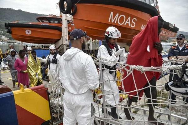 भूमध्यसागर में नौका पलटने से 100 की मौत