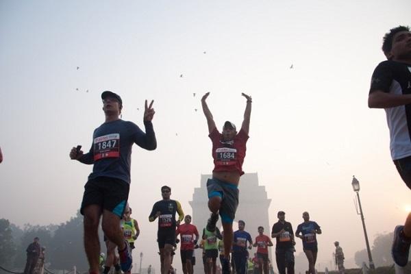 दिल्ली में भारी प्रदूषण के बीच मैराथन, हाईकोर्ट ने जताई हैरानी