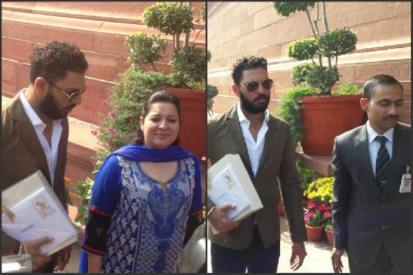 PM मोदी को शादी का कार्ड देने संसद पहुंचे क्रिकेटर युवराज सिंह