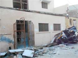 धार्मिकस्थल का छज्जा टूटने से हुआ बवाल, 12 से अधिक घायल