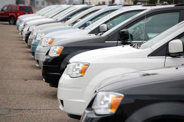 अक्टूबर में कारों की घरेलू बिक्री 0.45%  बढ़ी