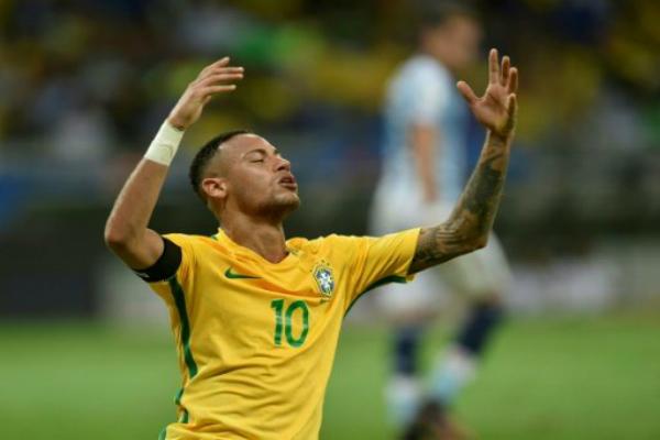 नेमार का अर्धशतक, ब्राजील ने अर्जेंटीना को हराया