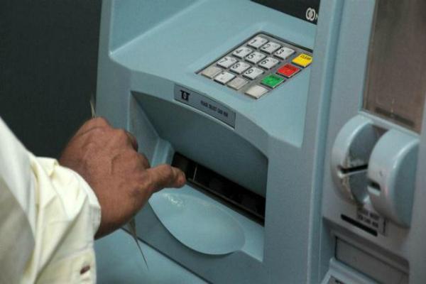 1 महीने तक ATM से मिलेंगे सिर्फ 100 के नोट, करंसी की होगी किल्लत!