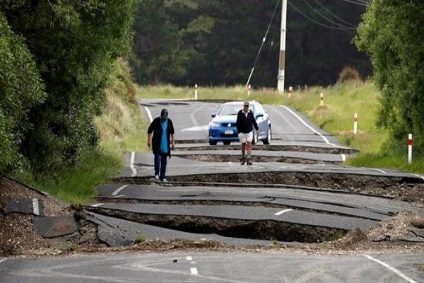 न्यूज़ीलैंड में  24 घंटे में भूकंप के 123 झटके , सुनामी की भी चेतावनी