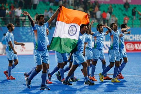 भारतीय हॉकी टीम का स्वदेश लौटने पर भव्य स्वागत