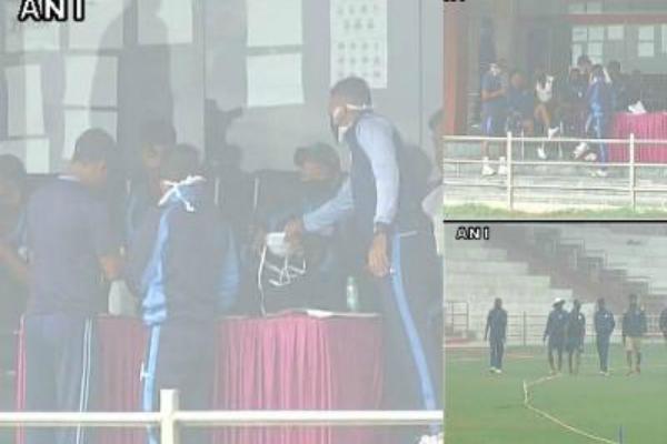 रणजी मैच: जब प्रैक्टिस के लिए मास्क पहन कर मैदान पर आए खिलाड़ी