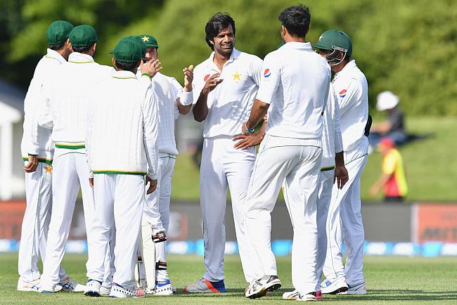 न्यूजीलैंड को 200 पर ढेर कर पाकिस्तान ने ली बढ़त