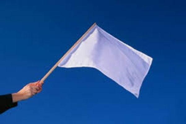 नापाक पाक का दोगला चेहरा: पहले की गोलीबारी फिर दिखाए सफेद झंडे