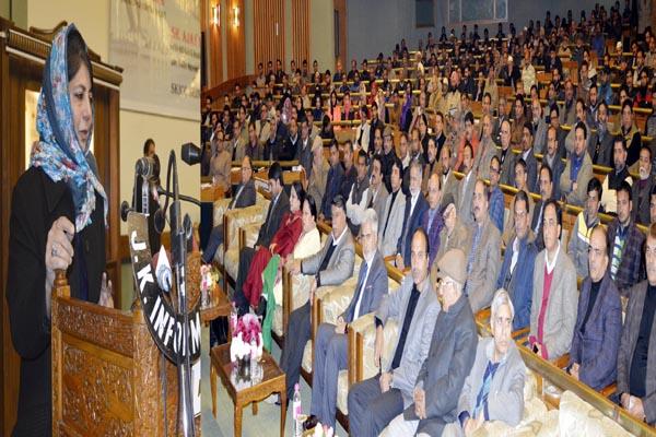 मुफ्ती सईद के जम्मू कश्मीर को माडल राज्य बनाने के सपने को आगे बढ़ाया जाएगा : महबूबा