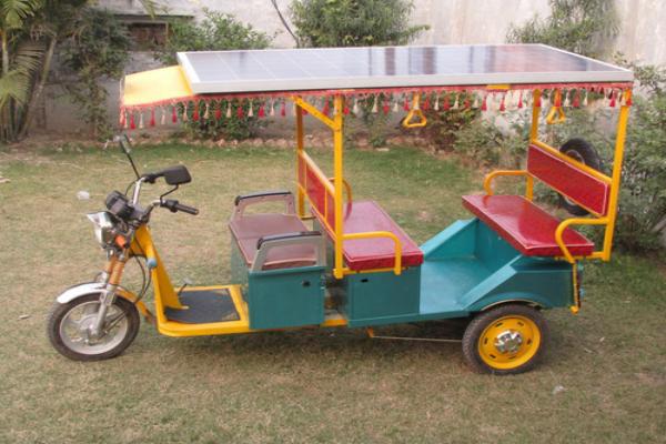 जल्द ही सड़कों पर दौड़ेंगे सोलर रिक्शा, देंगे 50% से ज्यादा माइलेज