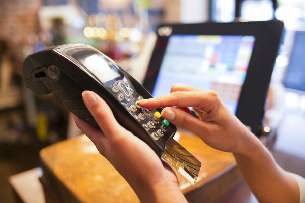 कार्ड पेमेंट पर सरकार की नजर, खरीदारी में रहें अलर्ट