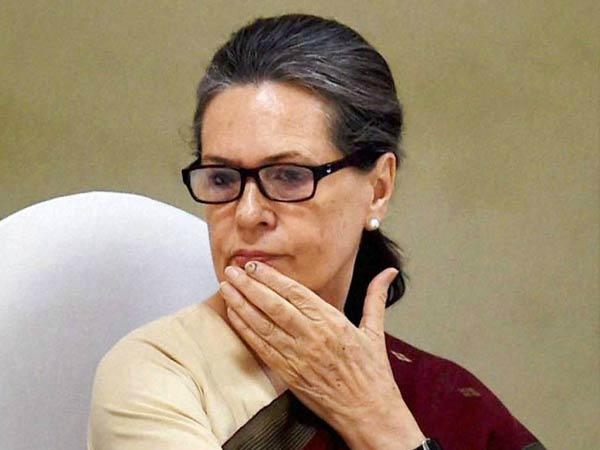 सोनिया गांधी की तबीयत हुई खराब, अस्पताल में भर्ती